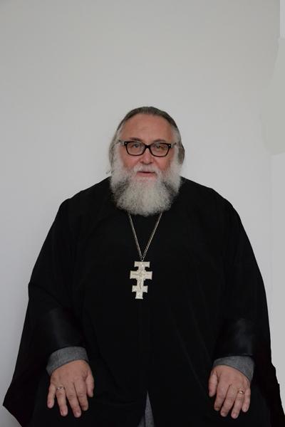 """Отець Олександр Чумаков: """"Оновлювати світоглядотворче слово"""""""